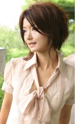 cute short asian female hairstyle