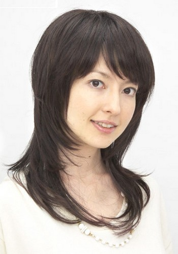 layered long Japanese haircut with long bangs.jpg picture