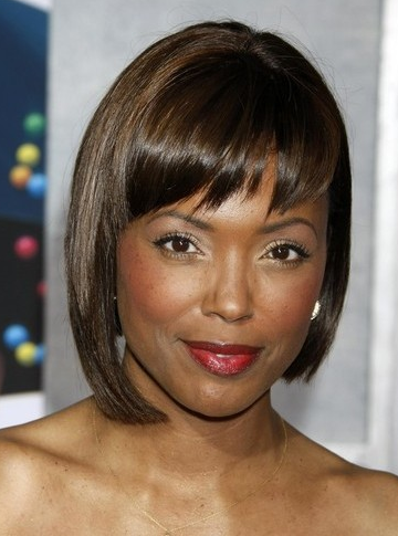 2011 black women hairstyle with bob haircut with long bang.PNG