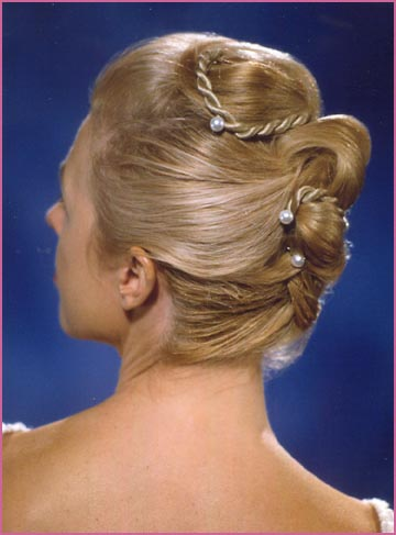Bride Hairstyle 2013 on Mother Of The Bride Hair Style  Blond Photo