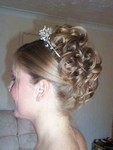 Bridal hairstyle, small curls, blonde
