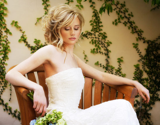 bridal trendy bride hair style_one of the romantic wedding hairstyles