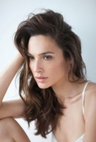 Gal Gadot-Varsano  hot photo with long layered hairstyle with side bangs