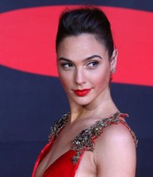 Gal Varsano hot picture with beautiful and elegant updo