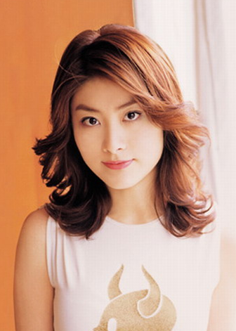Hot Asian Actress And Singer Kelly Chen Photo With Her