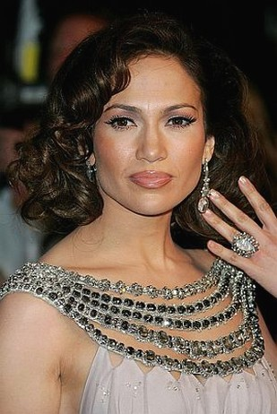 jennifer lopez hairstyles curly. Jennifer Lopez with big curly