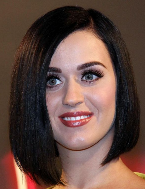 Katy Perry New Look In Her Bob Hairstyle With Long Side Bangs
