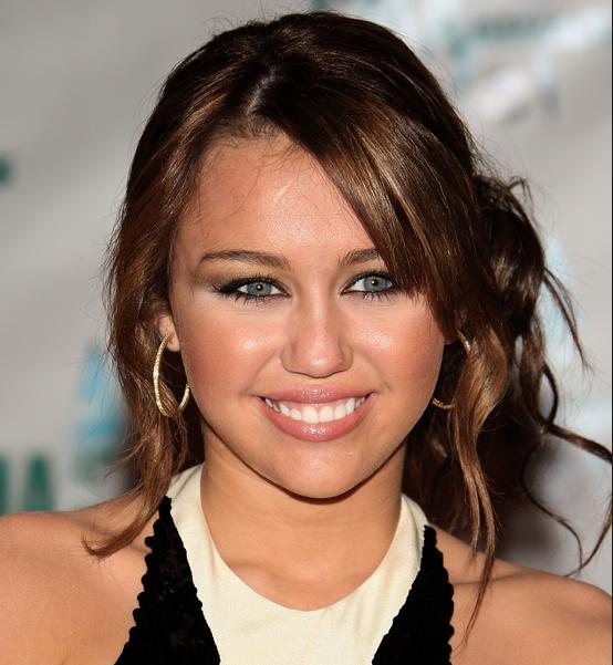 Miley Cyrus Updo Pictureg