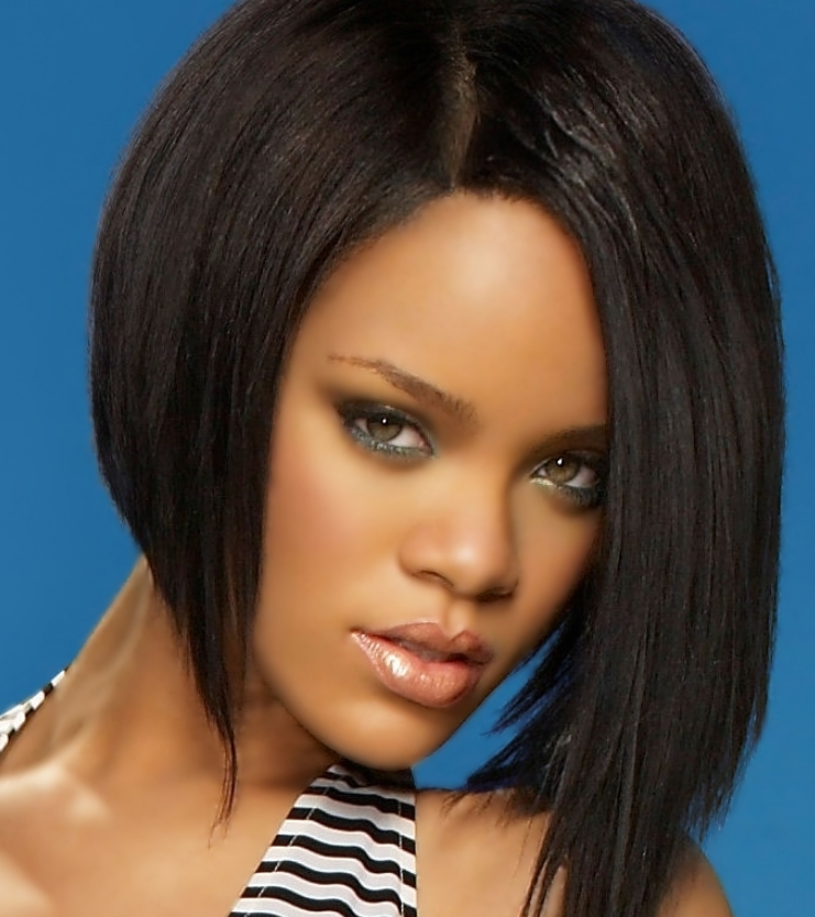 Rihanna with her reversed bob hairstyle with black hair and long side ...