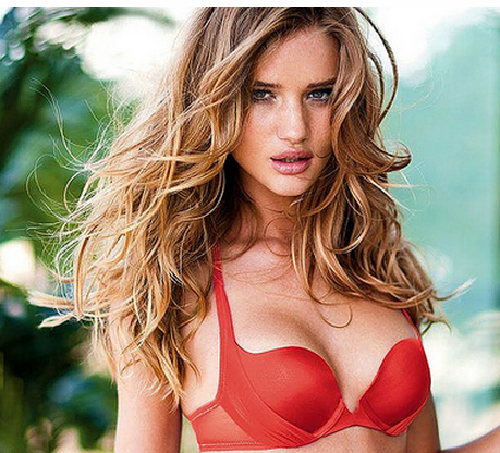 Rosie Huntington Whiteley sexy pictures.PNG