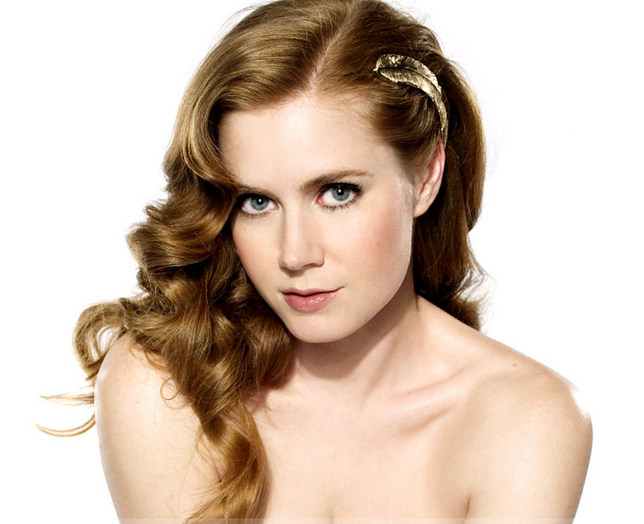 Sexy Actress Picture Of Amy Adams With Her Long Wavy Hairstyle With Long  Wavy Bangs.PNG