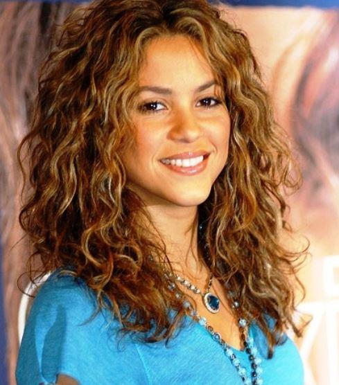 Shakira Newest Style W... Shakira