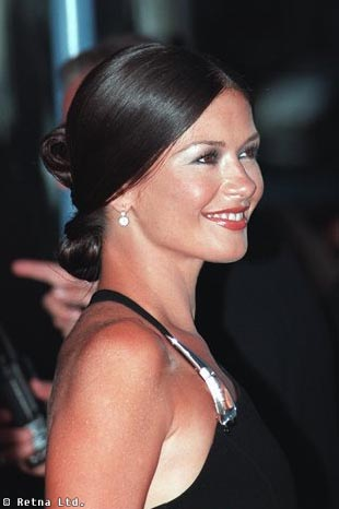 catherine zeta jones with updo hairsyle bru te