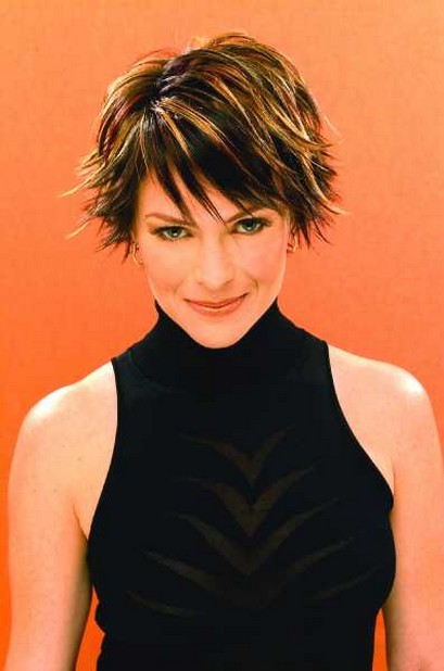 short razor cut hairstyles_short hair styles for older woman picture