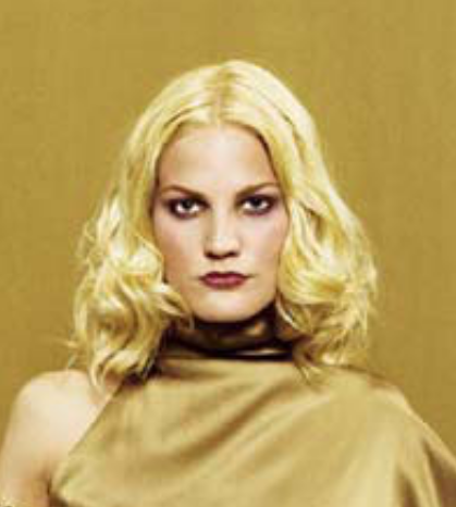 Sexy golden blond women hairstyle with light waves.PNG