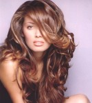 Long wavy and messy hair style with long side-part bangs, brown - pretty woman hair style