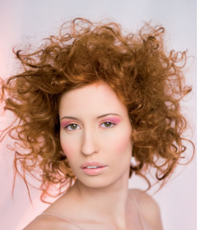Women Messy Curly Hairstyle