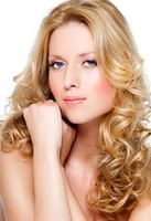 blonde long curly hairstyle.jpg