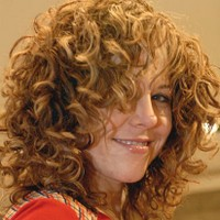 curly hairstyles women.jpg