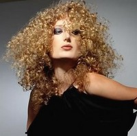 very small curly hairstyle_fashion curly hairstyle