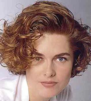 women light short curly hairstyles.jpg