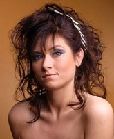 women long hair with curls_very cute long hair with curls and long bang.JPG
