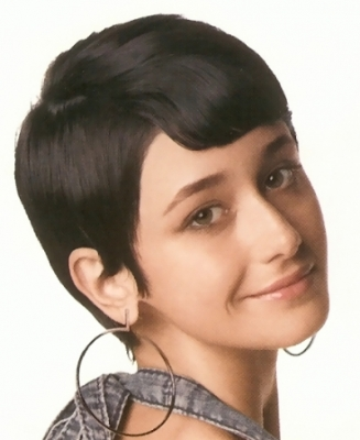 Short hair style with medium short bangs picture