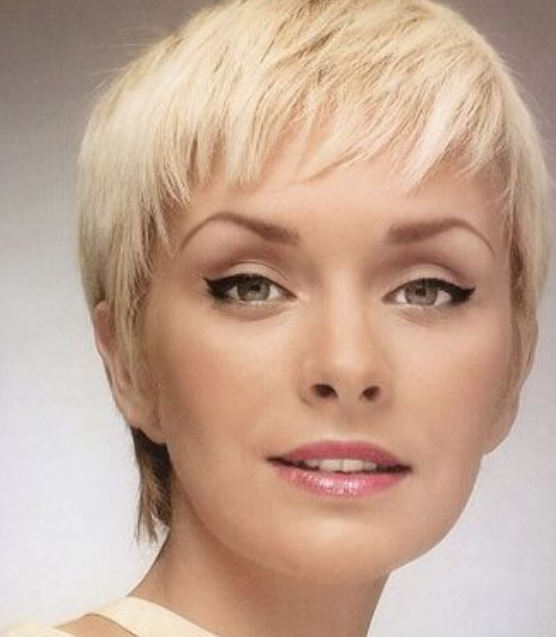 Very Short Pixie Hairstyles for Women