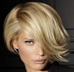 Wavy asymmetrical bob blonde with very long bang