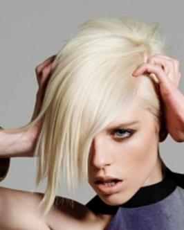 woman short haircuts full layers