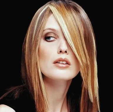 women long layered hairstyle with two tone